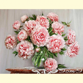 215 Peonies in a Glass Vase (l)