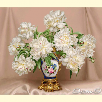 270 Peonies in Antique Vase (l)